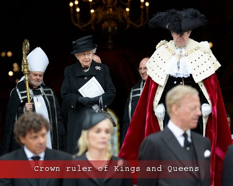 Elizabeth walks behind the Crown - Lord Mayor of London - after  Margaret Thatcher's funeral service